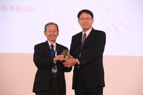 【太景】C肝新藥 獲中國化學會頒發年度「化學技術獎章」殊榮