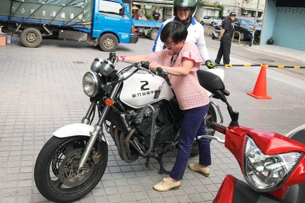 道路安全知多少 一起來學怎麼騎機車