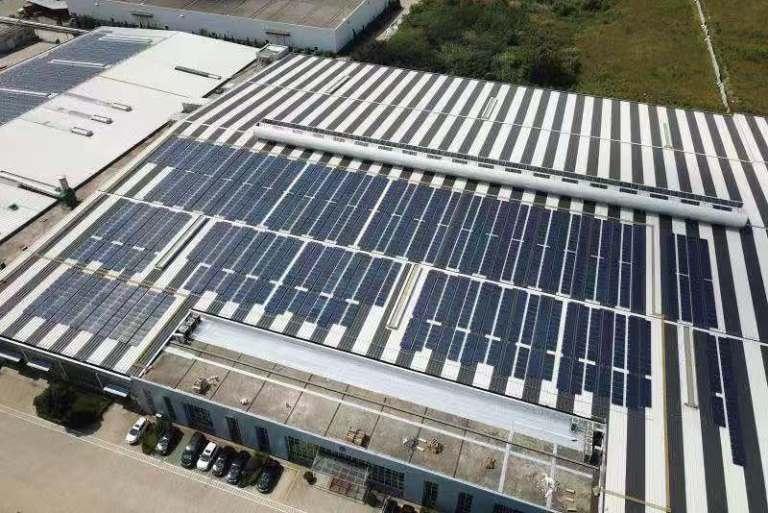 低碳生活讓地球不再低歎 南京廠1MW屋頂分散式光伏電站正式投入營運